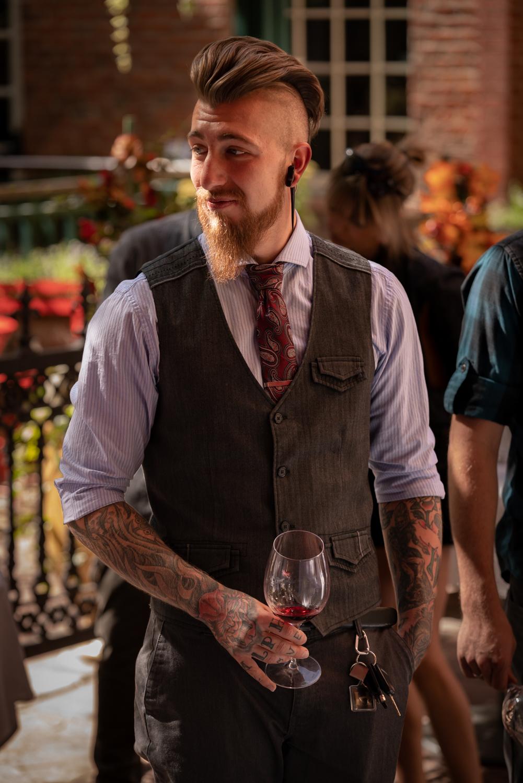 Vinmarket – tattoo dude
