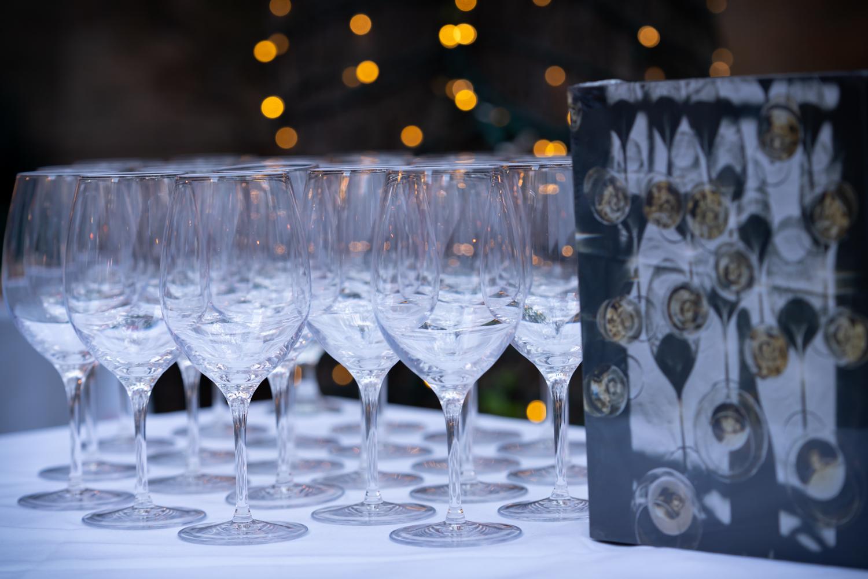 Vinmarket – wine glasses and book