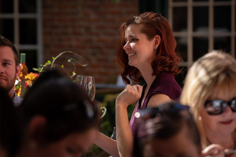 Vinmarket – woman smiling 02